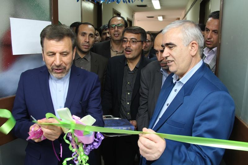 با حضور وزير پروژه هاي شاخص مخابراتي شهرستان قاينات افتتاح گرديد.